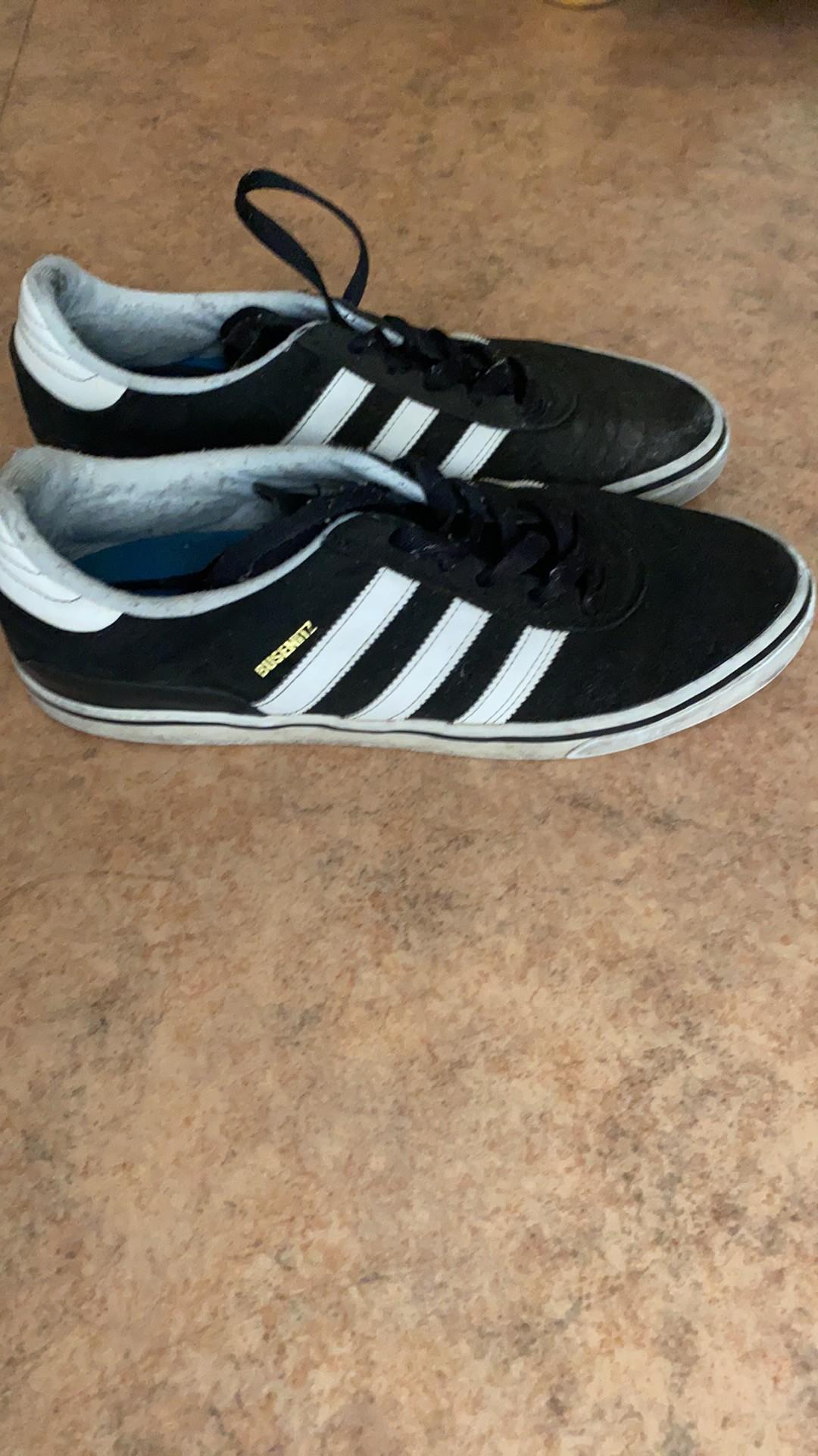 Chaussures Adidas 45