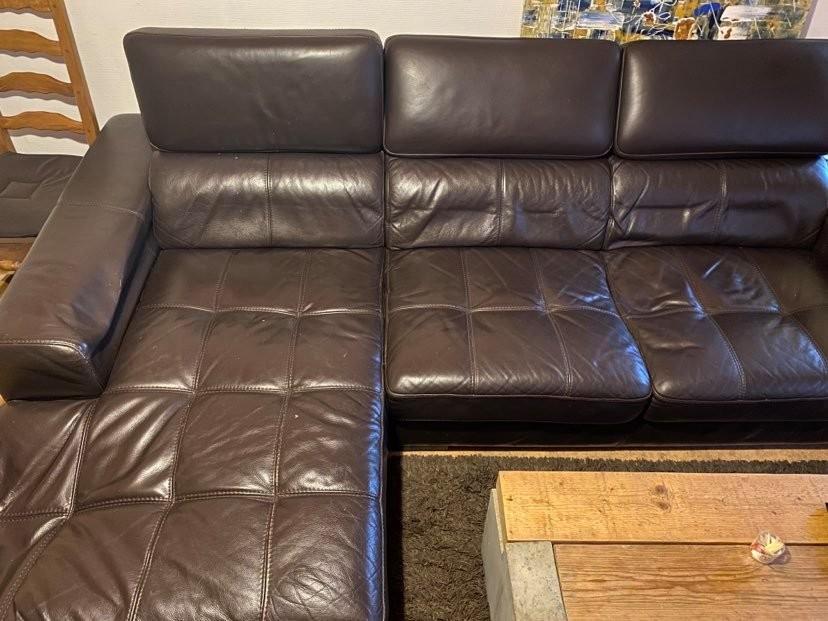 Canapé d'angle en cuir marron foncé