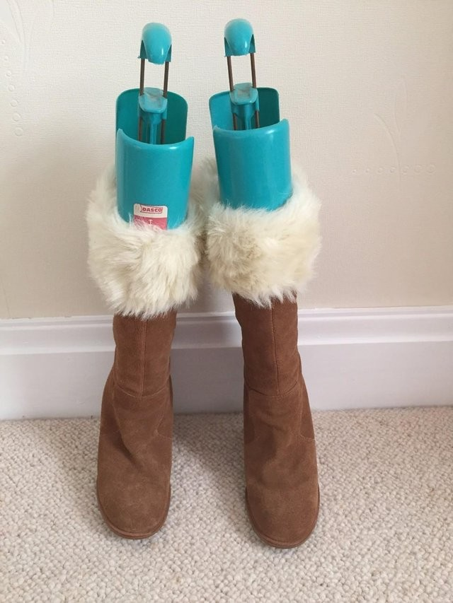 LADIES BROWN SUEDE BOOTS SIZE 37