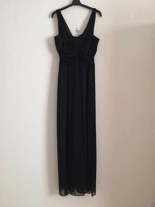 LADIES LONG BLACK DRESS SIZE 10/12