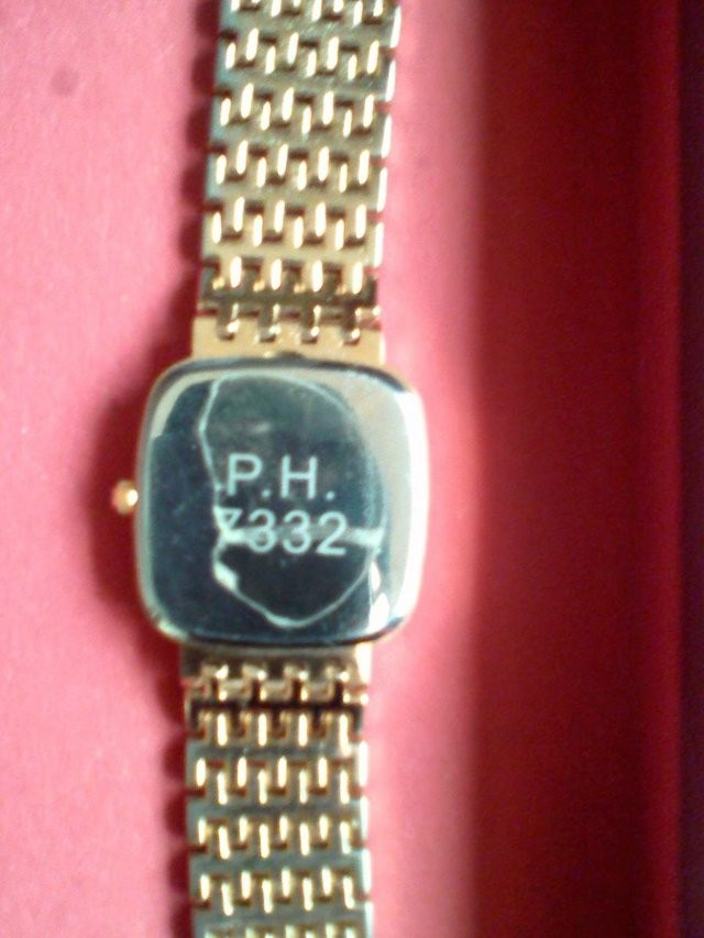 gold braclet Watch in vg.c Hardly used