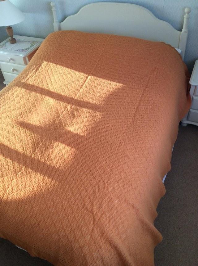 Acrylic vintage cellular blanket