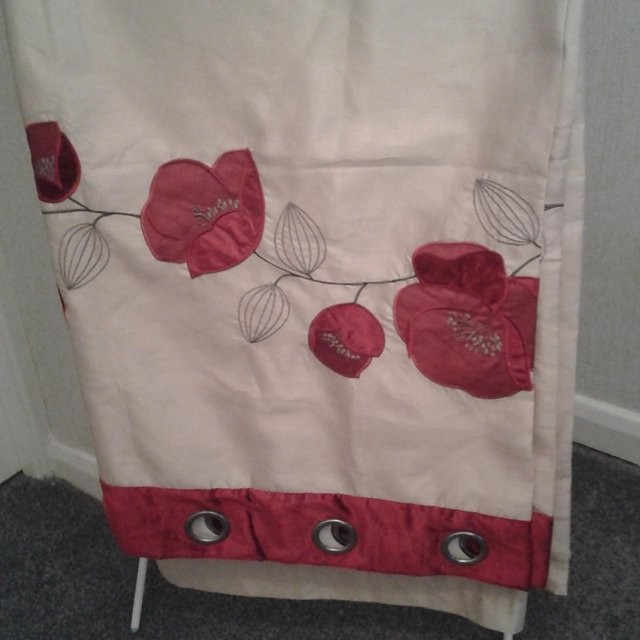 Curtains and matching quilt cover