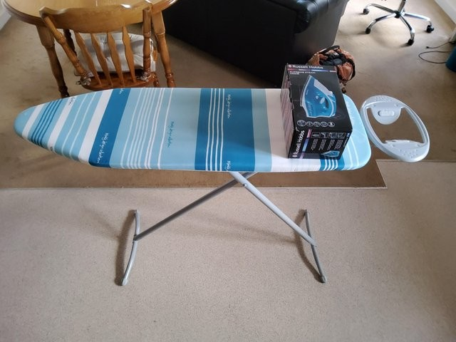Minky Ironing Table + Russell Hobbs Iron