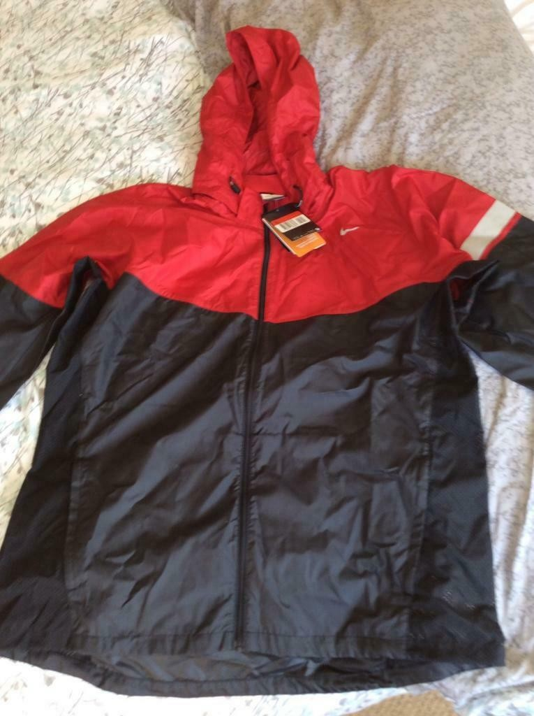 nike red anorak size M