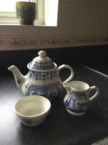 Charles & Diana Tea Pot milk jug sugar basin by Broadhurst