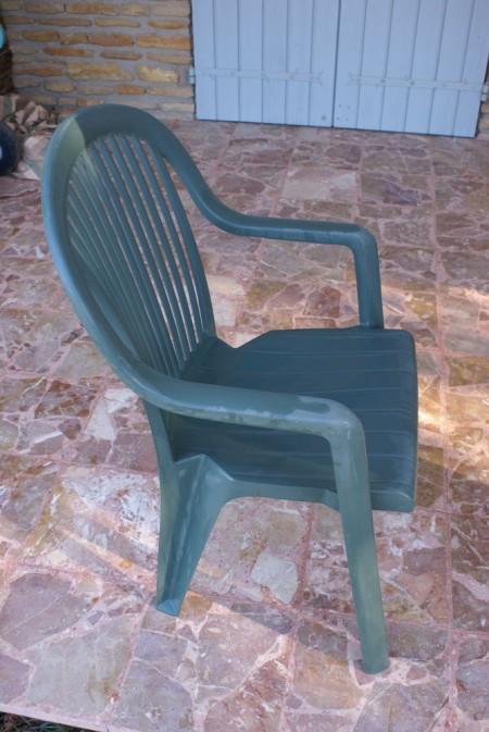 Chaise de jardin en plastique
