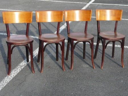 4 chaises en bois à récupérer rapidement