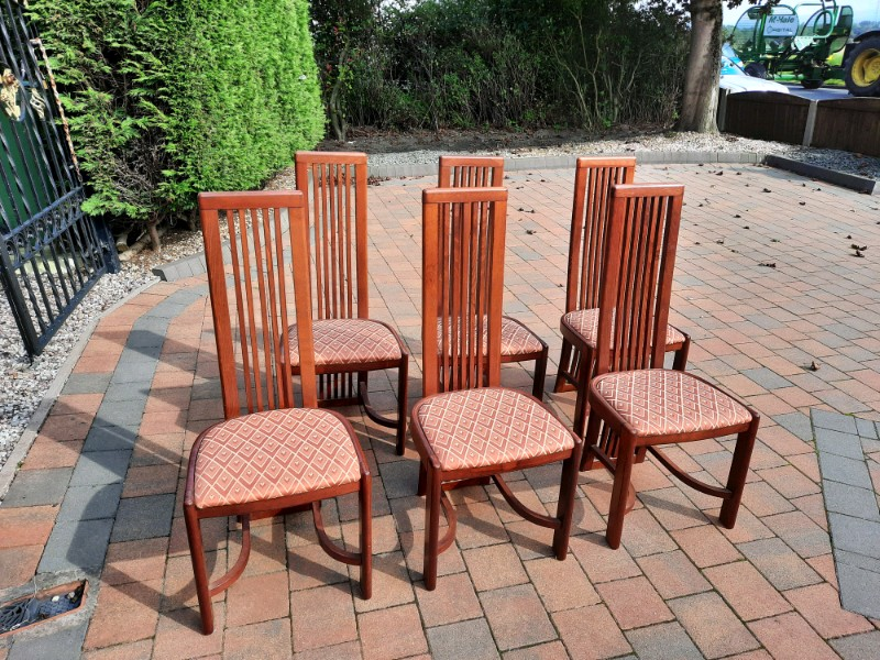 set of 5 wooden chairs