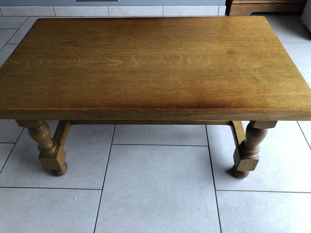 Table basse en vieux chêne