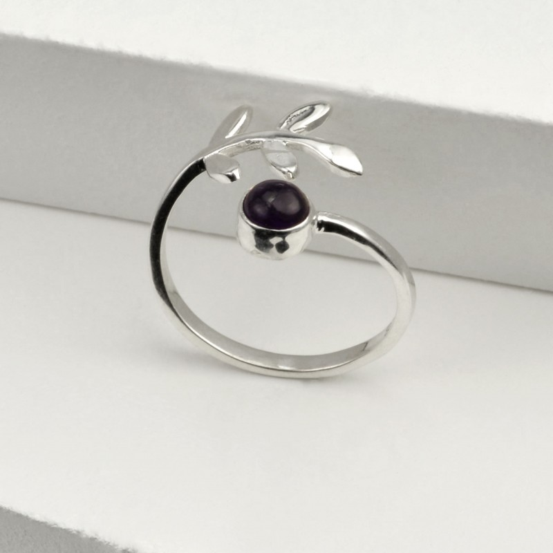 Adjustable Black Onyx and Leaves Ring in Sterling Silver