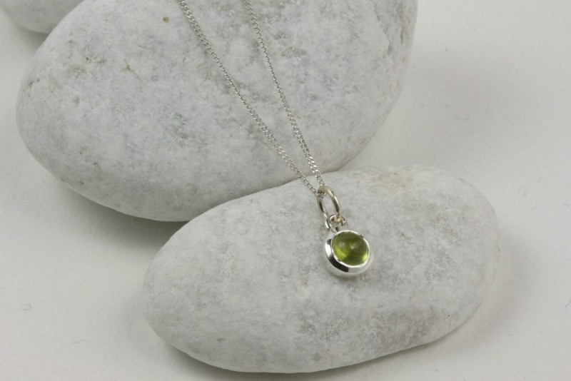 August Birthstone Jewellery Sets with Peridot Studs and Pendant Necklace 4