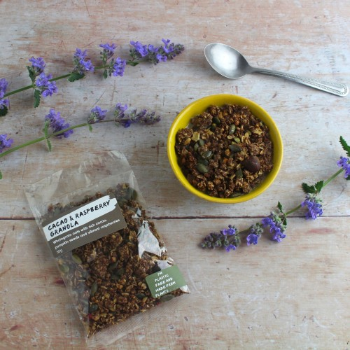 Cacao & raspberry wholegrain granola mini pack