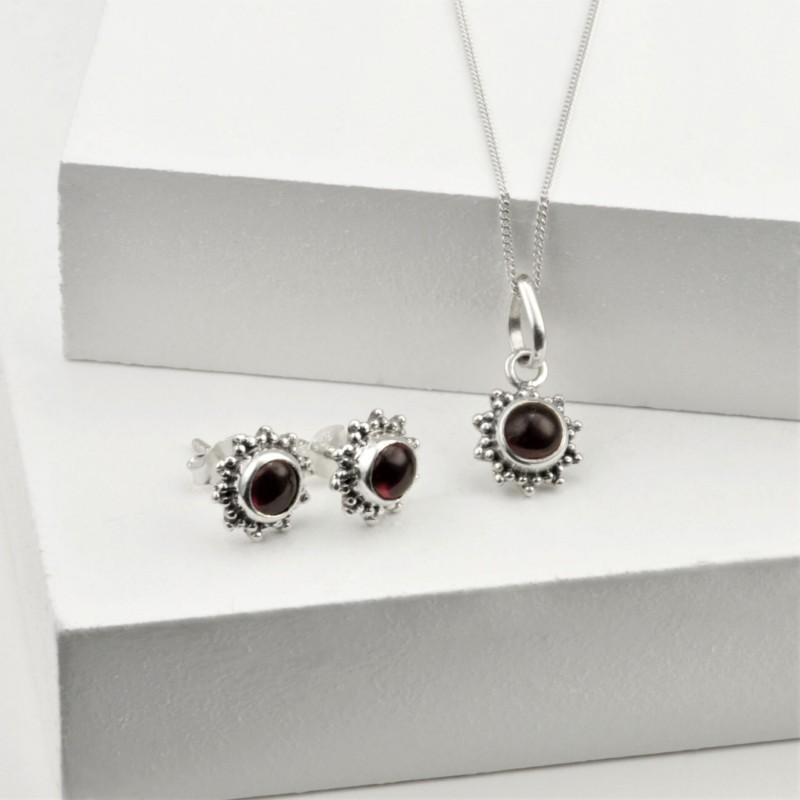 Garnet Star Motif Jewellery set in 925 Sterling Silver