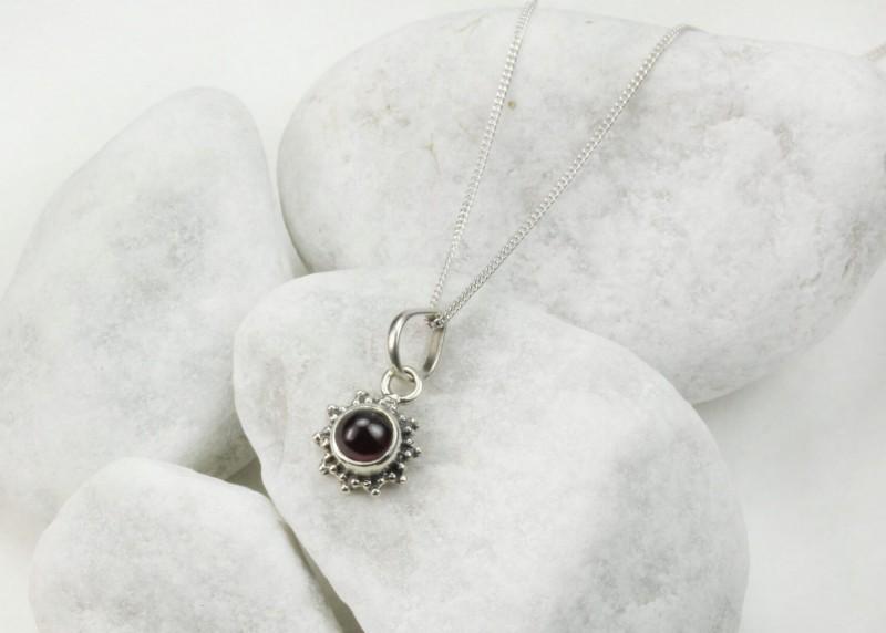Garnet Star Motif Jewellery set in 925 Sterling Silver 3