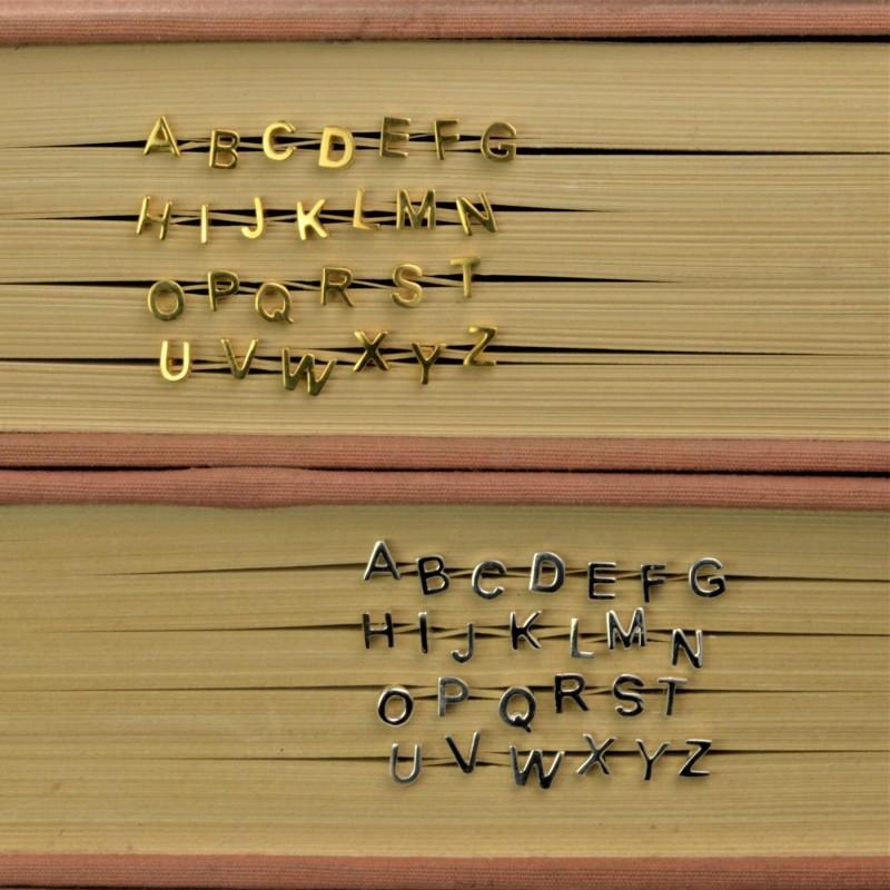Initial studs/Alphabet studs in Gold Vermeil 4