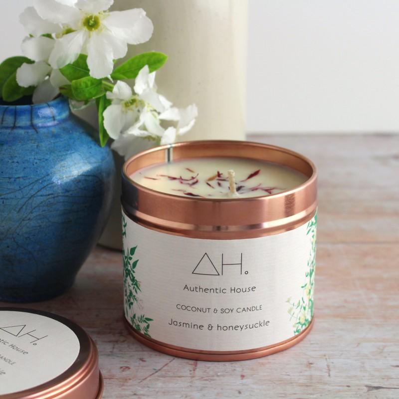 Large jasmine & honeysuckle candle