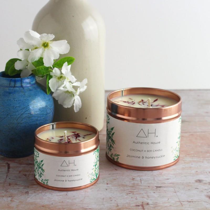 Large jasmine & honeysuckle candle 2