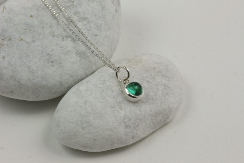 May Birthstone Jewellery Set in Emerald Gemstone - Studs and Pendant Necklace 4