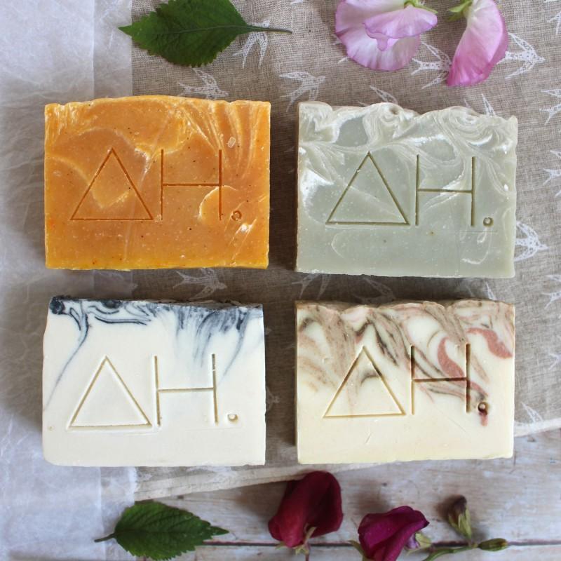 Set of 4 soap bars and bag 2