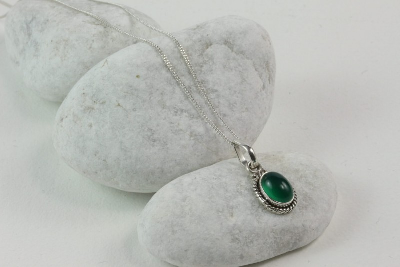 Twisted Wire Oval Pendant Necklace with Green Onyx in Sterling Silver