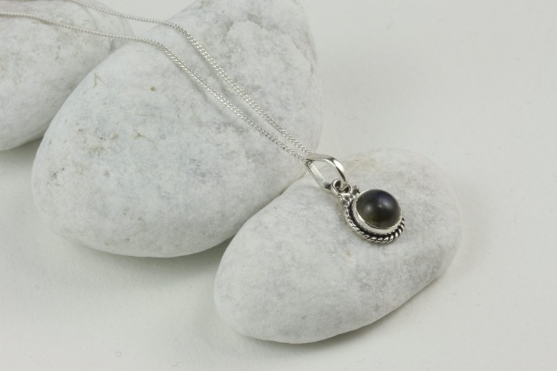 Twisted Wire Round Pendant Necklace with Labradorite in Sterling Silver