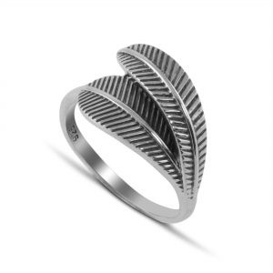 Two Leaves Ring in Sterling Silver
